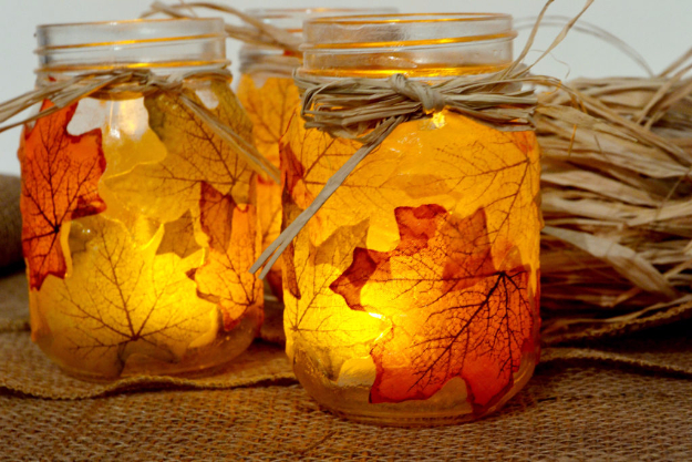 DIY Thanksgiving Decor Ideas - Leaf Mason Jar candle Holder - Fall Projects and Crafts for Thanksgiving Dinner Centerpieces, Vases, Arrangements With Leaves and Pumpkins - Easy and Cheap Crafts to Make for Home Decor #diy