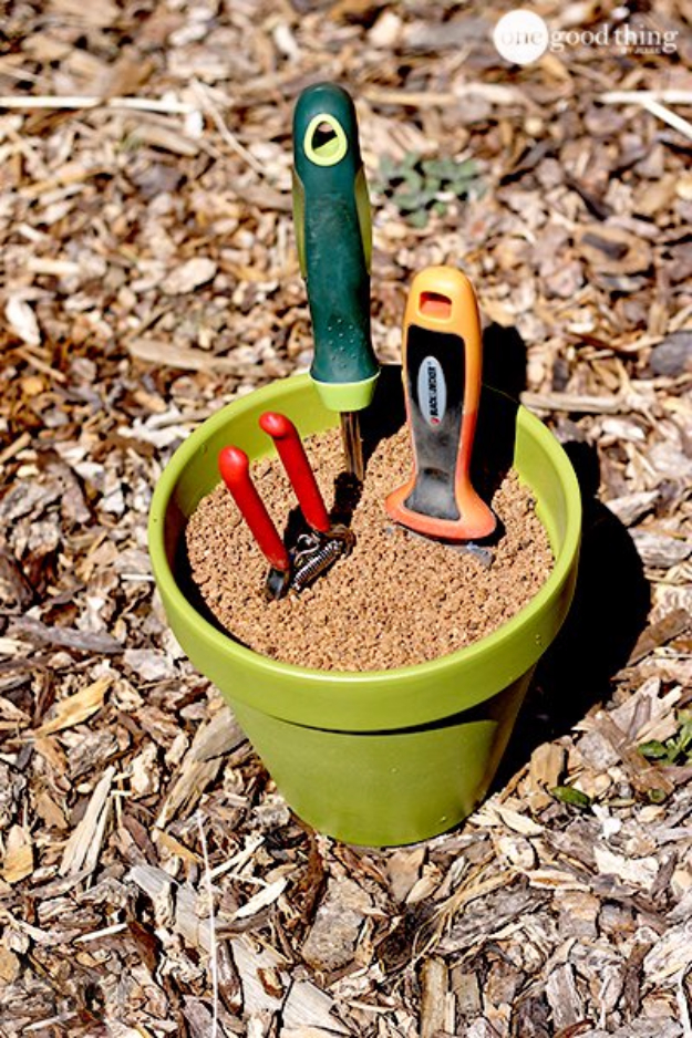 DIY Landscaping Hacks - Make Your Own Self Cleaning Sharpening Garden Tool Holder - Easy Ways to Make Your Yard and Home Look Awesome in Fall, Winter, Spring and Fall. Backyard Projects for Beginning Gardeners and Lawns - Tutorials and Step by Step Instructions