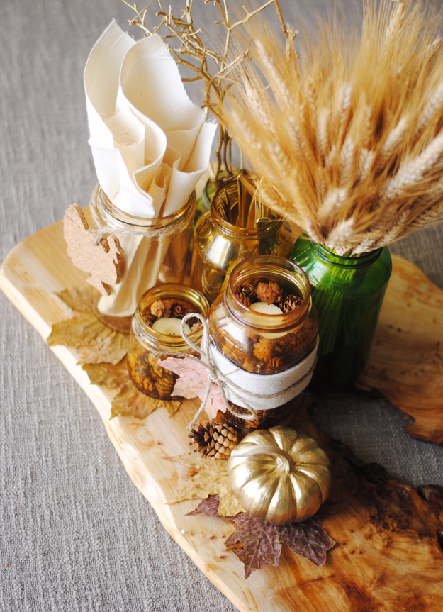 Best Thanksgiving Centerpieces and Table Decor - Mason Jar Thanksgiving Centerpiece - Creative Crafts for Your Thanksgiving Dinner Table. Mason Jars, Flowers, Leaves, Candles, Pumpkin Ideas #thanksgiving #diy
