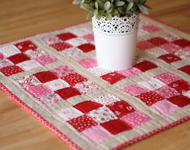 Best Quilting Projects for DIY Gifts -Nine Patch Mini Quilt - Things You Can Quilt and Sew for Friends, Family and Christmas Gift Ideas - Easy and Quick Quilting Patterns for Presents To Give At Holidays, Birthdays and Baby Gifts. Step by Step Tutorials and Instructions