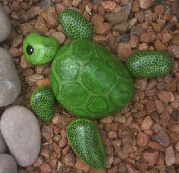 DIY Landscaping Hacks - Paint Rocks To Look Like Turtles - Easy Ways to Make Your Yard and Home Look Awesome in Fall, Winter, Spring and Fall. Backyard Projects for Beginning Gardeners and Lawns - Tutorials and Step by Step Instructions