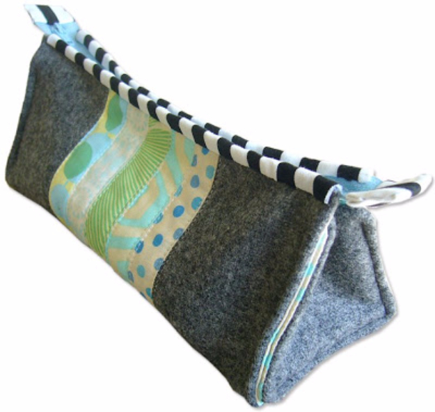 Best Quilting Projects for DIY Gifts - Quilted Stylish Pen Case - Things You Can Quilt and Sew for Friends, Family and Christmas Gift Ideas - Easy and Quick Quilting Patterns for Presents To Give At Holidays, Birthdays and Baby Gifts. Step by Step Tutorials and Instructions
