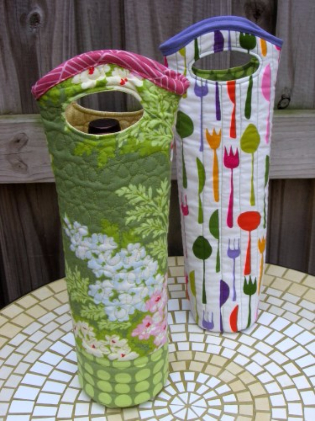 Best Quilting Projects for DIY Gifts - Quilted Wine Tote - Things You Can Quilt and Sew for Friends, Family and Christmas Gift Ideas - Easy and Quick Quilting Patterns for Presents To Give At Holidays, Birthdays and Baby Gifts. Step by Step Tutorials and Instructions