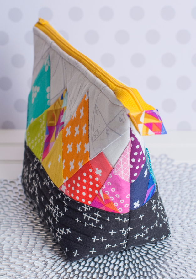 Best Quilting Projects for DIY Gifts - Rainbow Rays Quilt Block - Things You Can Quilt and Sew for Friends, Family and Christmas Gift Ideas - Easy and Quick Quilting Patterns for Presents To Give At Holidays, Birthdays and Baby Gifts. Step by Step Tutorials and Instructions