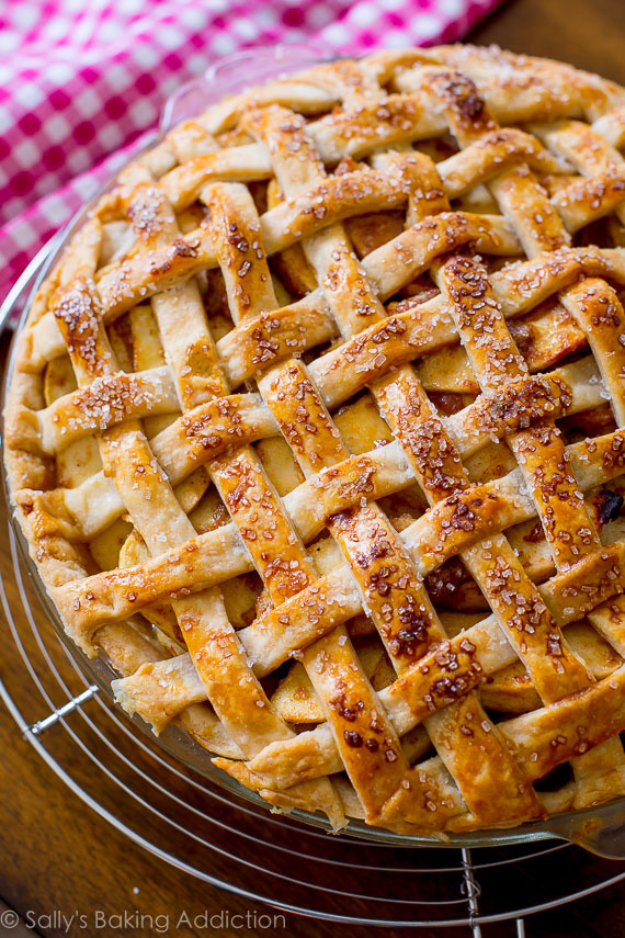 Best Pie Recipes - Salted Caramel Apple Pie - Easy Pie Recipes From Scratch for Pecan, Apple, Banana, Pumpkin, Fruit, Peach and Chocolate Pies. Yummy Graham Cracker Crusts and Homemade Meringue #recipes #dessert