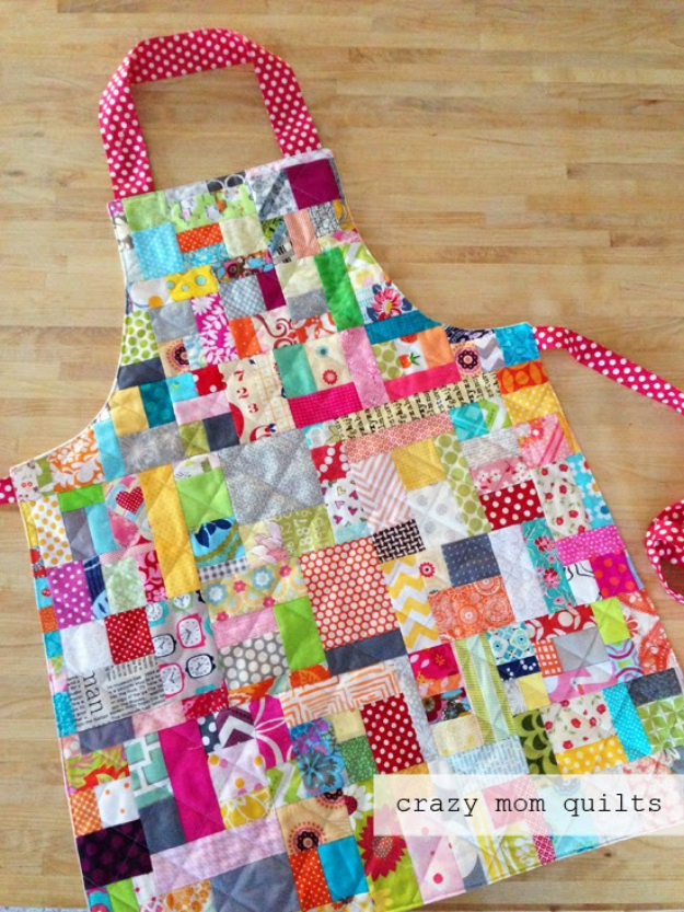 Best Quilting Projects for DIY Gifts - Scrap Happy Apron - Things You Can Quilt and Sew for Friends, Family and Christmas Gift Ideas - Easy and Quick Quilting Patterns for Presents To Give At Holidays, Birthdays and Baby Gifts. Step by Step Tutorials and Instructions