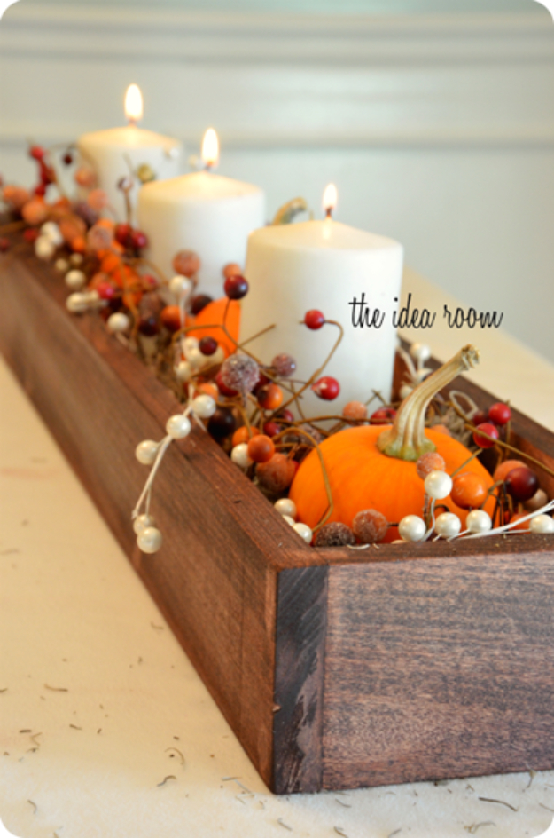 Best Thanksgiving Centerpieces and Table Decor - Thanksgiving Table Centerpiece - Creative Crafts for Your Thanksgiving Dinner Table. Mason Jars, Flowers, Leaves, Candles, Pumpkin Ideas #thanksgiving #diy