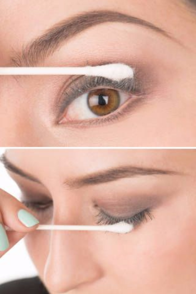 DIY Beauty Hacks - Thicken Lashes With Baby Powder - Cool Tips for Makeup, Hair and Nails - Step by Step Tutorials for Fixing Broken Makeup, Eye Shadow, Mascara, Foundation - Quick Beauty Ideas for Best Looks in A Hurry #beautyhacks #makeup