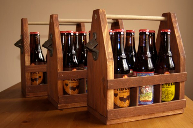 DIY Gifts for Dad - Wooden Beer Totes - Best Craft Projects and Gift Ideas You Can Make for Your Father - Last Minute Presents for Birthday and Christmas - Creative Photo Projects, Gift Card Holders, Gift Baskets and Thoughtful Things to Give Fathers and Dads #diygifts #dad #dadgifts #fathersday