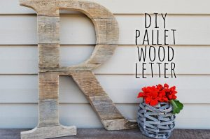 She Makes This Pallet Wood Monogram Adding A Personal Touch To The Front Of Her Home…