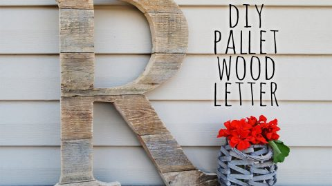 She Makes This Pallet Wood Monogram Adding A Personal Touch To The Front Of Her Home… | DIY Joy Projects and Crafts Ideas