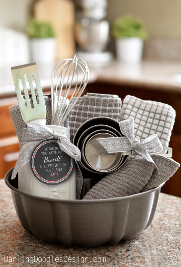 DIY Housewarming Gifts - Adorable Bundt Gift Basket- Best Do It Yourself Gift Ideas for Friends With A New House, Home or Apartment - Creative, Cheap and Quick Crafts and DIY Ideas for Housewarming Presents - Mason Jar Gifts, Baskets, Gifts for Women and Men #diygifts #housewarming #diyideas #cheapgifts