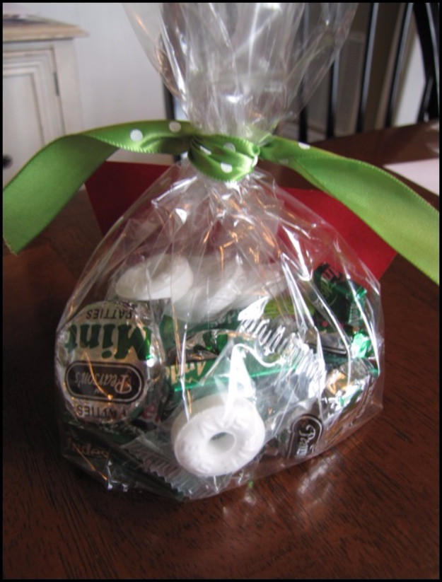 DIY Teacher Gifts - Bag Of Mints - Cheap and Easy Presents and DIY Gift Ideas for Teachers at Christmas, End of Year, First Day and Birthday - Teacher Appreciation Gifts and Crafts - Cute Mason Jar Ideas and Thoughtful, Unique Gifts from Kids http://diyjoy.com/diy-teacher-gifts