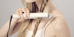Watch How She Does Stunning Beachy Waves The Easy Way!