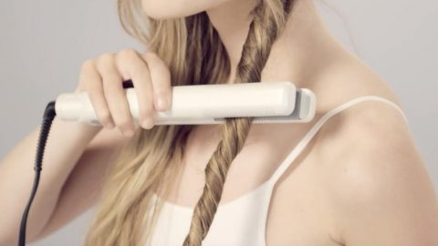 Watch How She Does Stunning Beachy Waves The Easy Way! | DIY Joy Projects and Crafts Ideas
