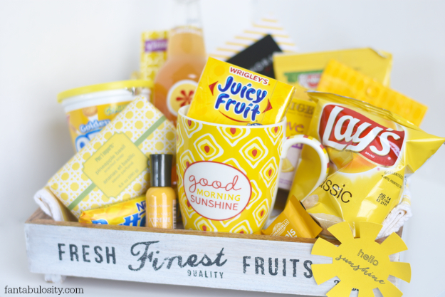 DIY Housewarming Gifts - Box Of Sunshine Gift Crate- Best Do It Yourself Gift Ideas for Friends With A New House, Home or Apartment - Creative, Cheap and Quick Crafts and DIY Ideas for Housewarming Presents - Mason Jar Gifts, Baskets, Gifts for Women and Men #diygifts #housewarming #diyideas #cheapgifts