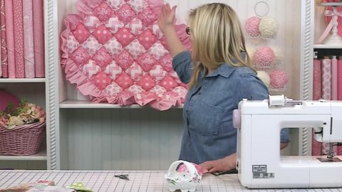 She Makes This Fabulous Bubble Quilt — It's So Crazy Comfortable! | DIY Joy Projects and Crafts Ideas