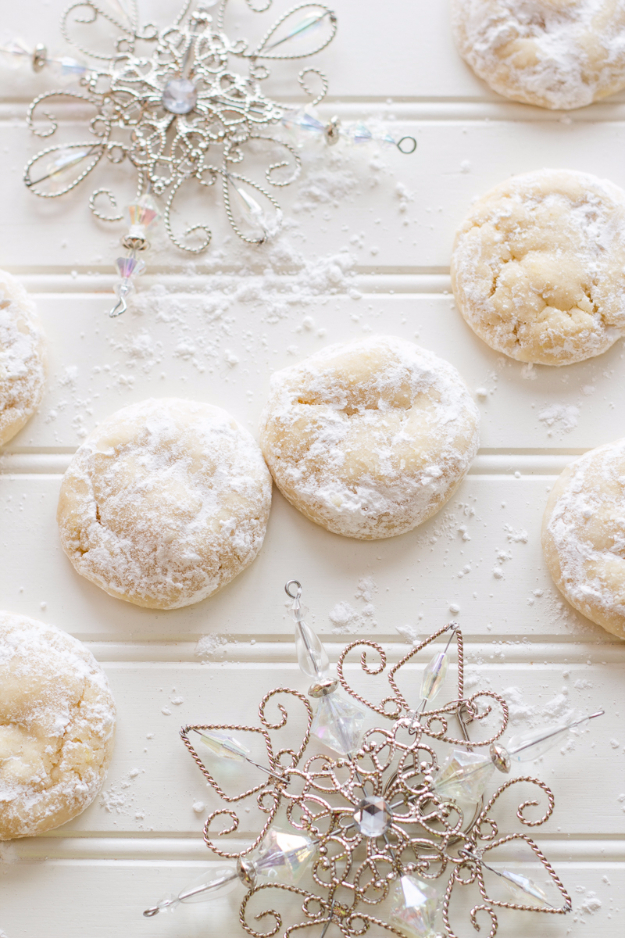 Best Recipes for Christmas Cookies- Chewy Lemon Snowdrop Cookies - Easy Decorated Holiday Cookies - Candy Cookie Recipes Ideas for Kids - Traditional Favorites and Gluten Free and Healthy Versions - Quick No Bake Cookies and Last Minute Desserts for the Holidays
