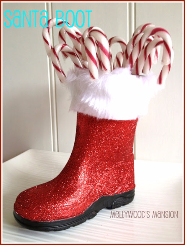DIY Christmas Centerpieces - Christmas Boot Centerpiece - Simple, Easy Holiday Decorating Ideas on A Budget- cheap dollar store crafts holiday #holiday #crafts #christmas