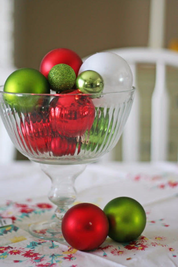 DIY Christmas Centerpieces - Christmas Ornaments Centerpiece - Simple, Easy Holiday Decorating Ideas on A Budget- cheap dollar store crafts holiday #holiday #crafts #christmas