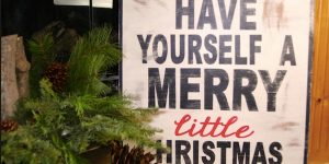 Watch How She Makes This Awesome Rustic Christmas Sign Full Of Charm!