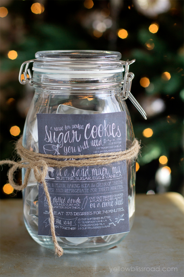 DIY Gifts for Friends - Christmas Gift Idea for Neighbor - - Cookie Cutter Set - Cute Mason Jar Crafts, Gift Baskets and Cheap and Easy Gift Ideas to Make for Friends - Do It Yourself Projects You Can Sew and Craft That Make Awesome DIY Gifts and Homemade Christmas Presents #diygifts #christmasgifts #xmasgifts