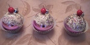Watch How She Makes These Outstanding Cupcake Ornaments And They Look So Real!
