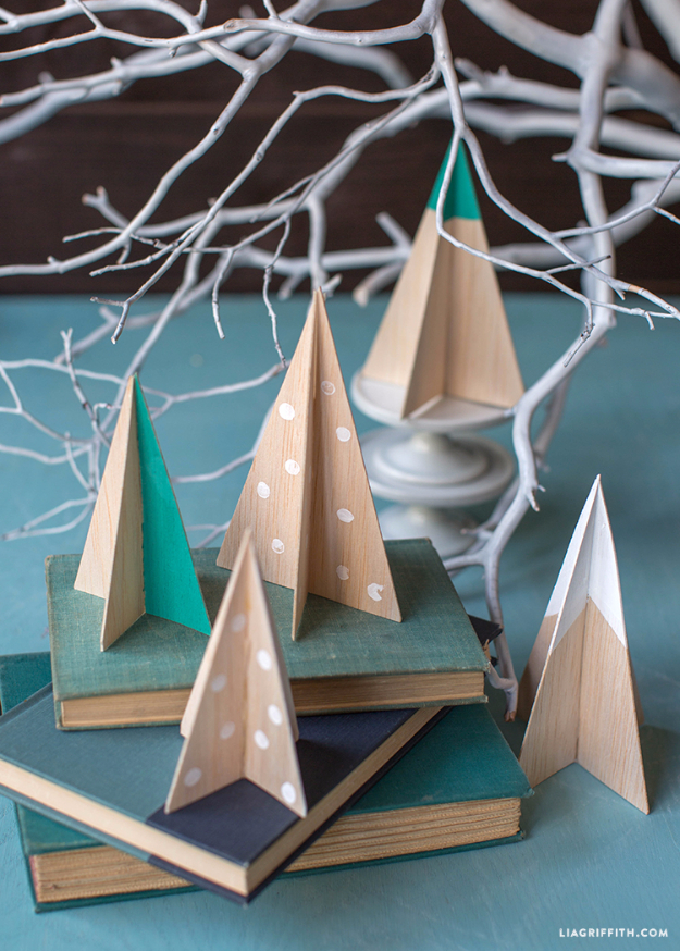 Cheap DIY Ideas for Your Christmas Tree - DIY Balsa Wood Christmas Tree - Cool Handmade Ornaments, DIY Decorating Ideas and Ornament Tutorials - Cheap Christmas Home Decor - Xmas Crafts #christmas #diy #crafts