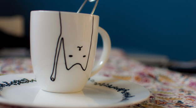 DIY Gift for the Office - DIY Cat Mug - DIY Gift Ideas for Your Boss and Coworkers - Cheap and Quick Presents to Make for Office Parties, Secret Santa Gifts - Cool Mason Jar Ideas, Creative Gift Baskets and Easy Office Christmas Presents