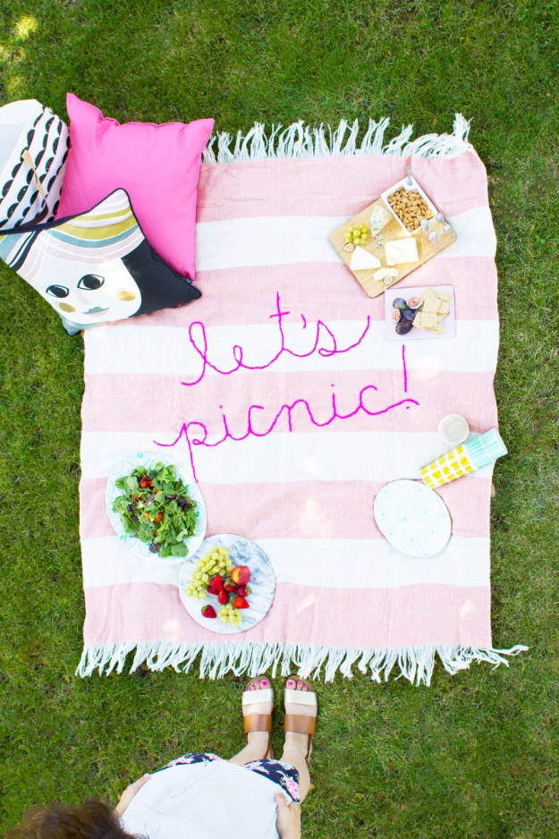 DIY Blankets and Throws - DIY Giant Embroidery Picnic Blanket - How To Make Easy Home Decor and Warm Covers for Women, Kids, Teens and Adults - Fleece, Knit, No Sew and Easy Projects to Make for Bed and Sofa