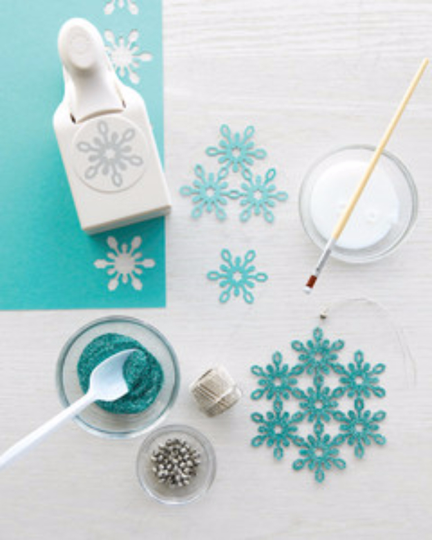 Best DIY Snowflake Decorations, Ornaments and Crafts - DIY Glittered Snowflake - Paper Crafts with Snowflakes, Pipe Cleaner Projects, Mason Jars and Dollar Store Ideas - Easy DIY Ideas to Decorate for Winter#winter #crafts #diy