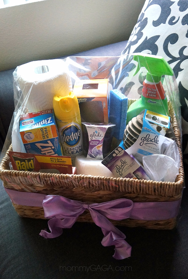 DIY Housewarming Gifts - DIY Home Essentials Gift Basket - Best Do It Yourself Gift Ideas for Friends With A New House, Home or Apartment - Creative, Cheap and Quick Crafts and DIY Ideas for Housewarming Presents - Mason Jar Gifts, Baskets, Gifts for Women and Men #diygifts #housewarming #diyideas #cheapgifts