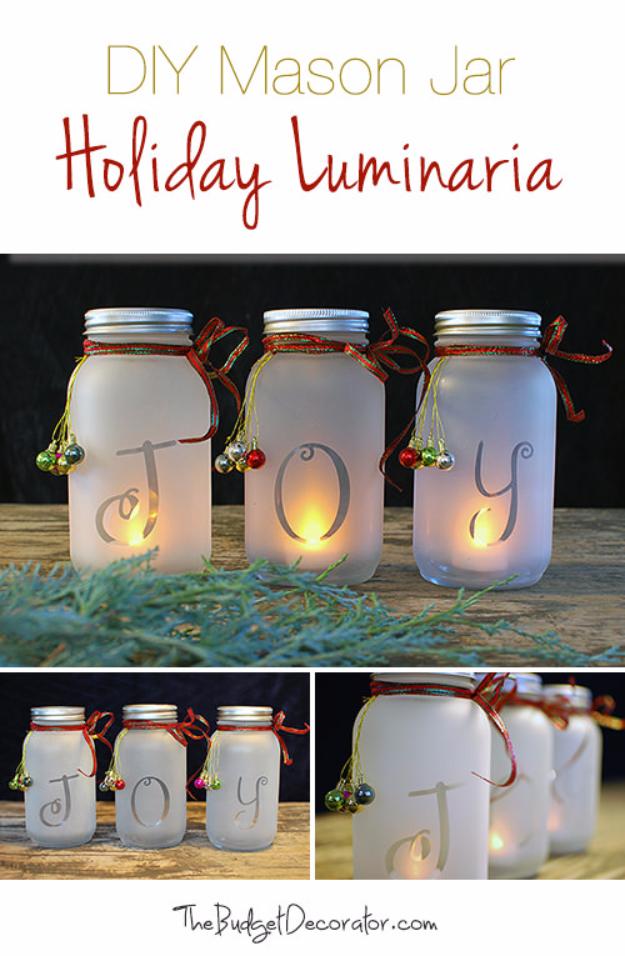 DIY Christmas Luminaries and Home Decor for The Holidays - DIY Mason Jar Holiday Luminaria - Cool Candle Holders, Tea Lights, Holiday Gift Ideas, Christmas Crafts for Kids #diy #luminaries #christmas