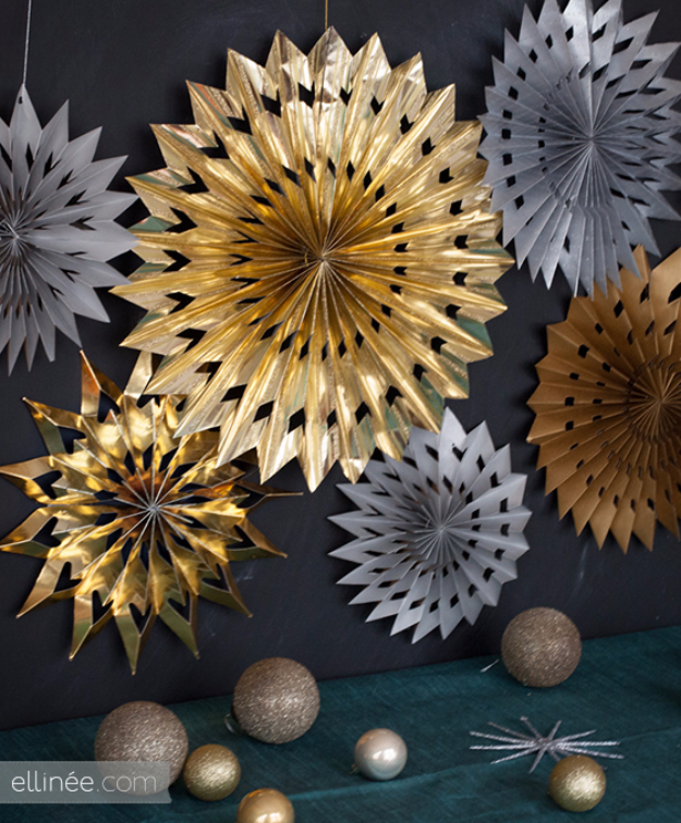 Cool Things to Make With Leftover Wrapping Paper - DIY Paper Star Medallions - Easy Crafts, Fun DIY Projects, Gifts and DIY Home Decor Ideas - Don't Trash The Christmas Wrapping Paper and Learn How To Make These Awesome Ideas Instead - Step by Step Tutorials With Instructions