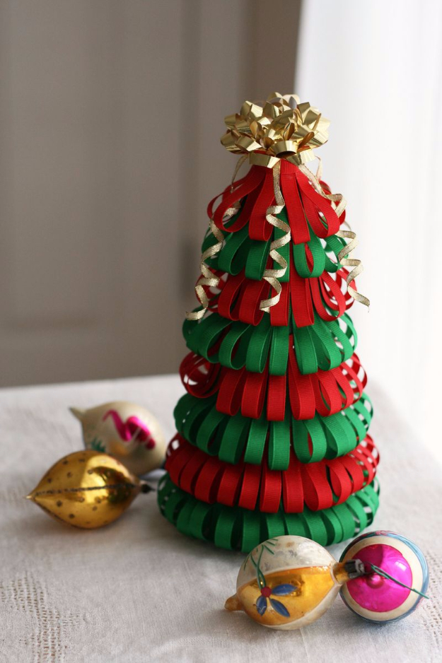 Best DIY Ideas for Your Christmas Tree - DIY Ribbon Christmas Tree - Cool Handmade Ornaments, DIY Decorating Ideas and Ornament Tutorials - Cheap Christmas Home Decor - Xmas Crafts #christmas #diy #crafts