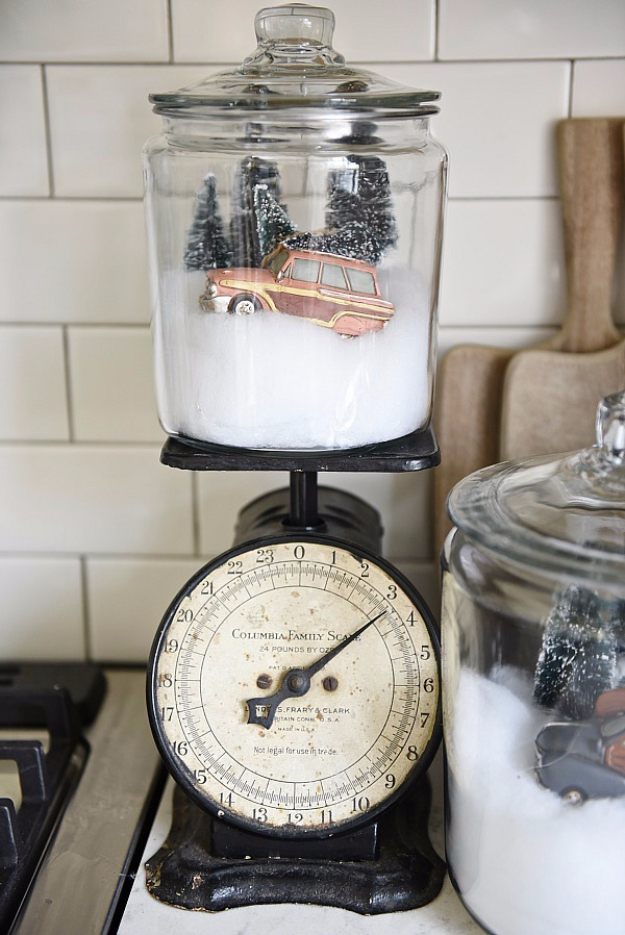 Best DIY Ideas for Wintertime - DIY Snow Globe Jars - Winter Crafts with Snowflakes, Icicle Art and Projects, Wreaths, Woodland and Winter Wonderland Decor, Mason Jars and Dollar Store Ideas - Easy DIY Ideas to Decorate Home and Room for Winter - Creative Home Decor and Room Decorations for Adults, Teens and Kids #diy #winter #crafts