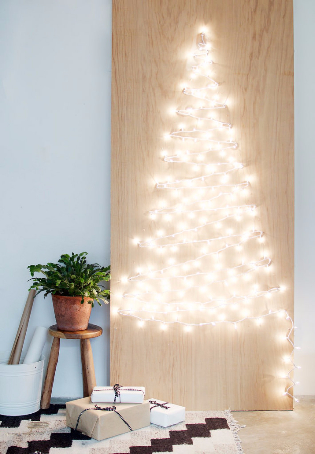 Cool Ways To Use Christmas Lights - DIY String Light Christmas Tree - Best Easy DIY Ideas for String Lights for Room Decoration, Home Decor and Creative DIY Bedroom Lighting #diy #christmas #homedecor