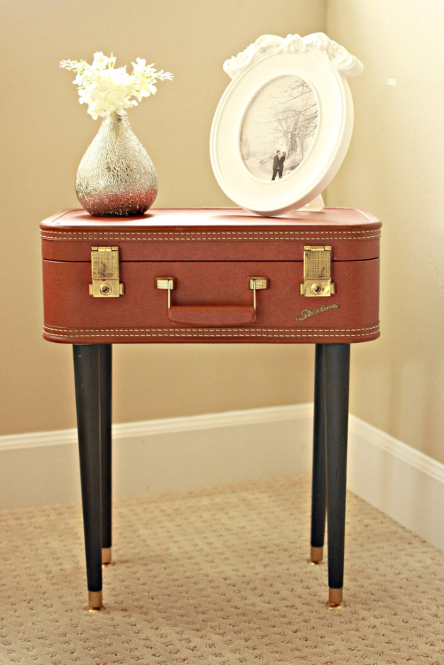DIY Farmhouse Style Decor Ideas for the Bedroom - DIY Vintage Suitcase Table - Rustic Farm House Ideas for Furniture, Paint Colors, Farm House Decoration for Home Decor in The Bedroom - Wall Art, Rugs, Nightstands, Lights and Room Accessories http://diyjoy.com/diy-farmhouse-decor-bedroom