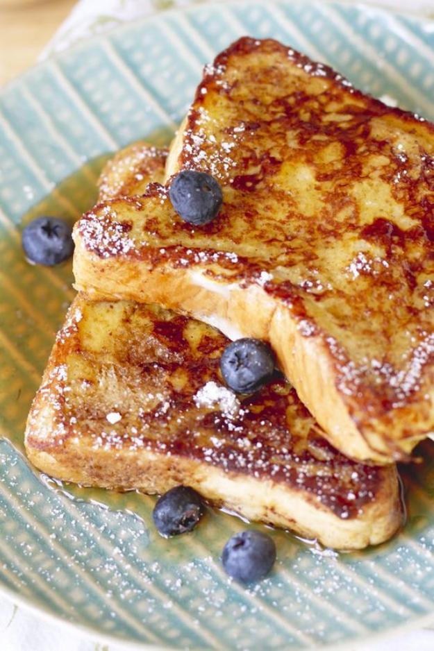 Best Copycat Recipes From Top Restaurants - Denny's French Toast Copycat - Awesome Recipe Knockoffs and Recipe Ideas from Chipotle Restaurant, Starbucks, Olive Garden, Cinabbon, Cracker Barrel, Taco Bell, Cheesecake Factory, KFC, Mc Donalds, Red Lobster, Panda Express #recipes #copycat #dinnerideas