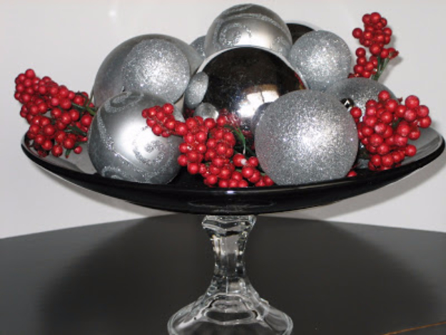 DIY Christmas Centerpieces - Dollar Store Christmas Centerpiece - Simple, Easy Holiday Decorating Ideas on A Budget- cheap dollar store crafts holiday #holiday #crafts #christmas