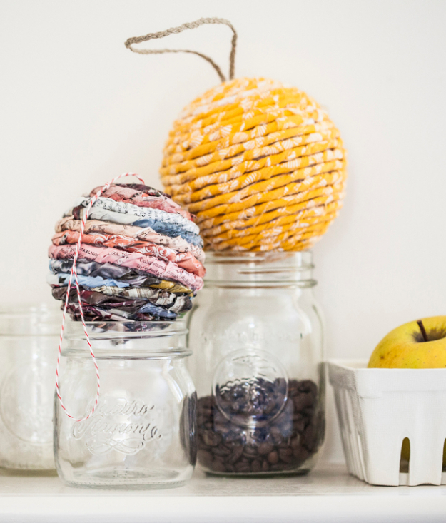 Cool Things to Make With Leftover Wrapping Paper - Easy DIY Wrapped Ball Ornament - Easy Crafts, Fun DIY Projects, Gifts and DIY Home Decor Ideas - Don't Trash The Christmas Wrapping Paper and Learn How To Make These Awesome Ideas Instead - Step by Step Tutorials With Instructions
