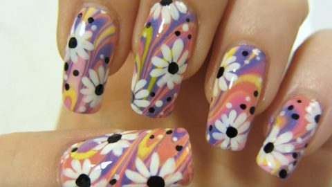 Watch How She Does This Colorful Flower Design With Water Marbling