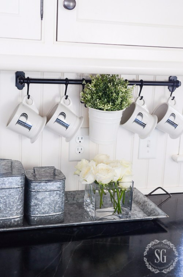 DIY Farmhouse Style Decor Ideas for the Kitchen - Functional And Fabulous Kitchen Rack - Rustic Farm House Ideas for Furniture, Paint Colors, Farm House Decoration for Home Decor in The Kitchen - Wall Art, Rugs, Countertops, Lights and Kitchen Accessories #farmhouse #diydecor