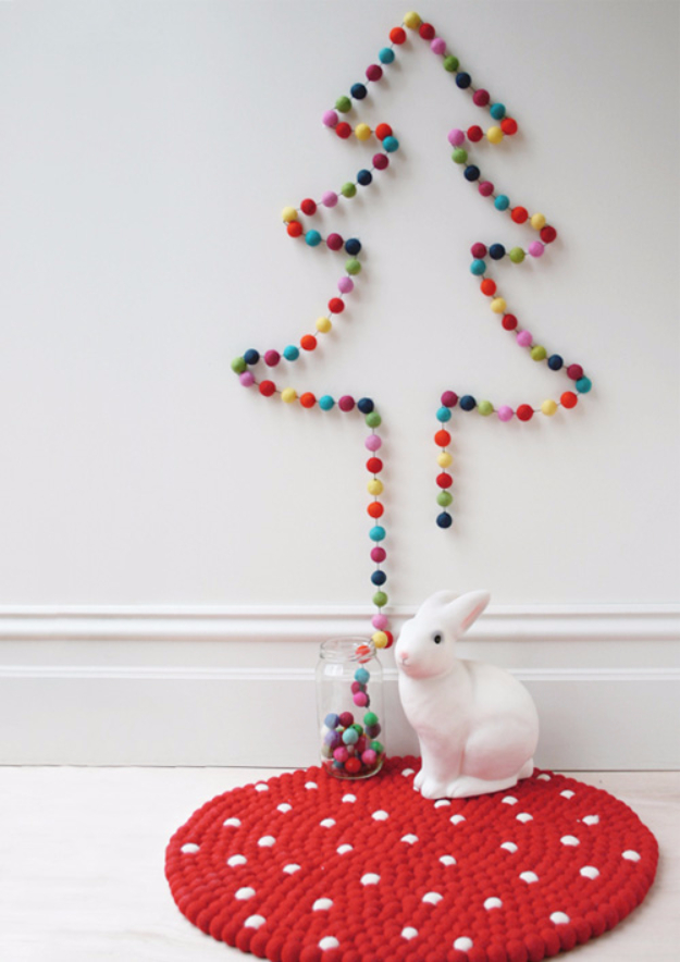 Best DIY Ideas for Your Christmas Tree - Garland Christmas Tree - Cool Handmade Ornaments, DIY Decorating Ideas and Ornament Tutorials - Cheap Christmas Home Decor - Xmas Crafts #christmas #diy #crafts