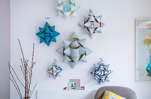 Cool Things to Make With Leftover Wrapping Paper - Giant Gift Rosettes - Easy Crafts, Fun DIY Projects, Gifts and DIY Home Decor Ideas - Don't Trash The Christmas Wrapping Paper and Learn How To Make These Awesome Ideas Instead - Step by Step Tutorials With Instructions