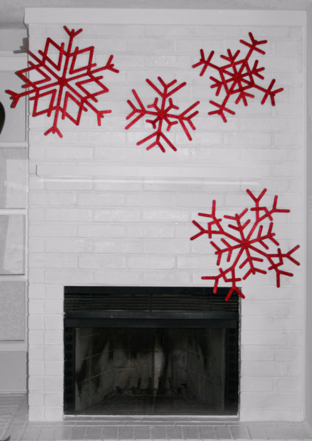 Best DIY Snowflake Decorations, Ornaments and Crafts - Gigantic Popsicle Stick Snowflake Craft - Paper Crafts with Snowflakes, Pipe Cleaner Projects, Mason Jars and Dollar Store Ideas - Easy DIY Ideas to Decorate for Winter#winter #crafts #diy