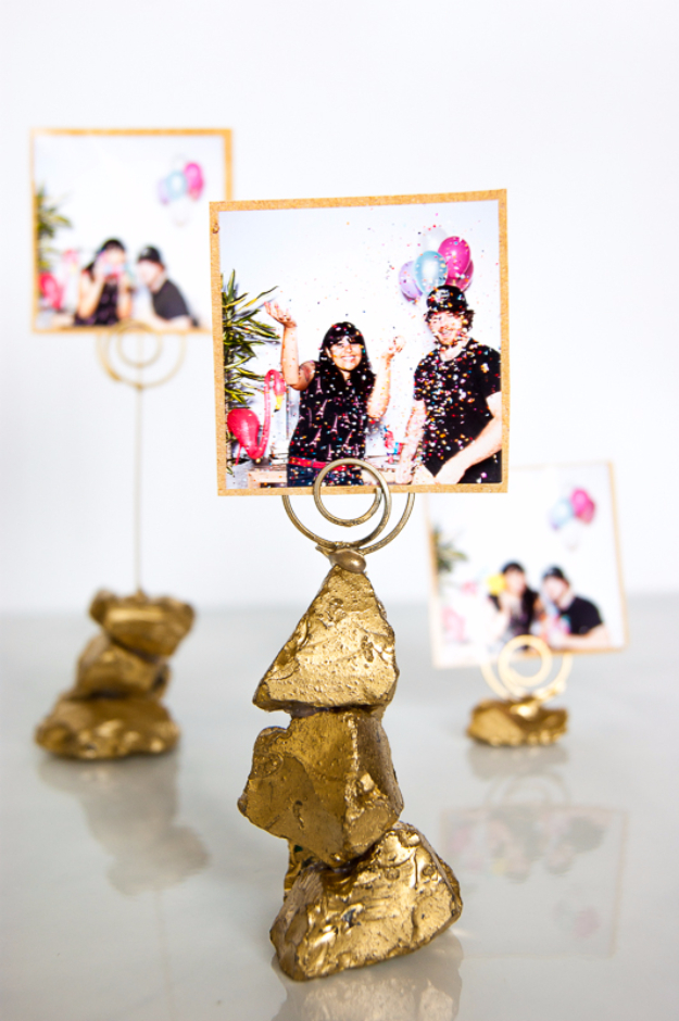 Best DIY Gifts for Neighbors - Golden Nugget Photo Holder - Cute Mason Jar Crafts, Gift Baskets and Cheap and Easy Gift Ideas to Make for Friends - Do It Yourself Projects You Can Sew and Craft That Make Awesome DIY Gifts and Homemade Christmas Presents http://diyjoy.com/diy-gifts-friends-neighbors