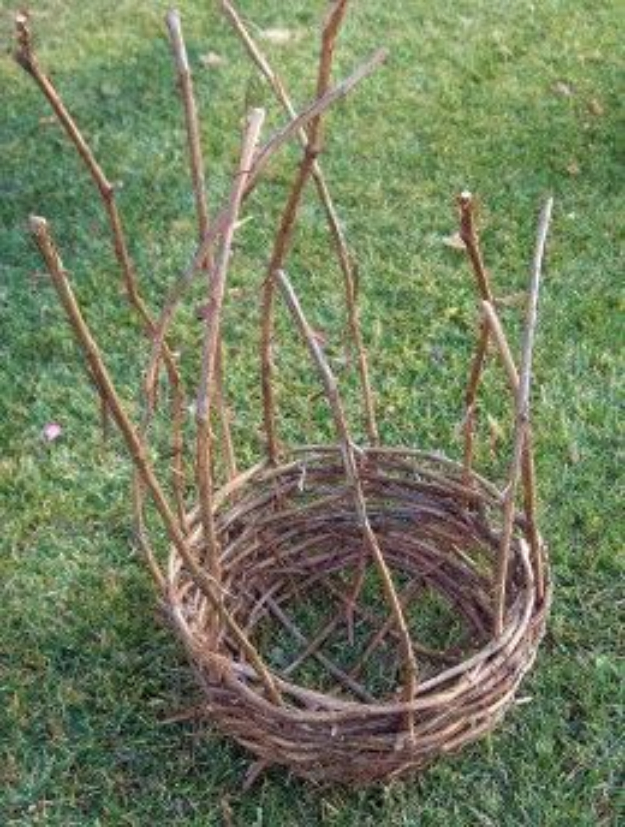 Creative Crafts Made With Baskets - Grapevine Basket - DIY Storage and Organizing Ideas, Gift Basket Ideas, Best DIY Christmas Presents and Holiday Gifts, Room and Home Decor with Step by Step Tutorials - Easy DIY Ideas and Dollar Store Crafts #crafts #diy