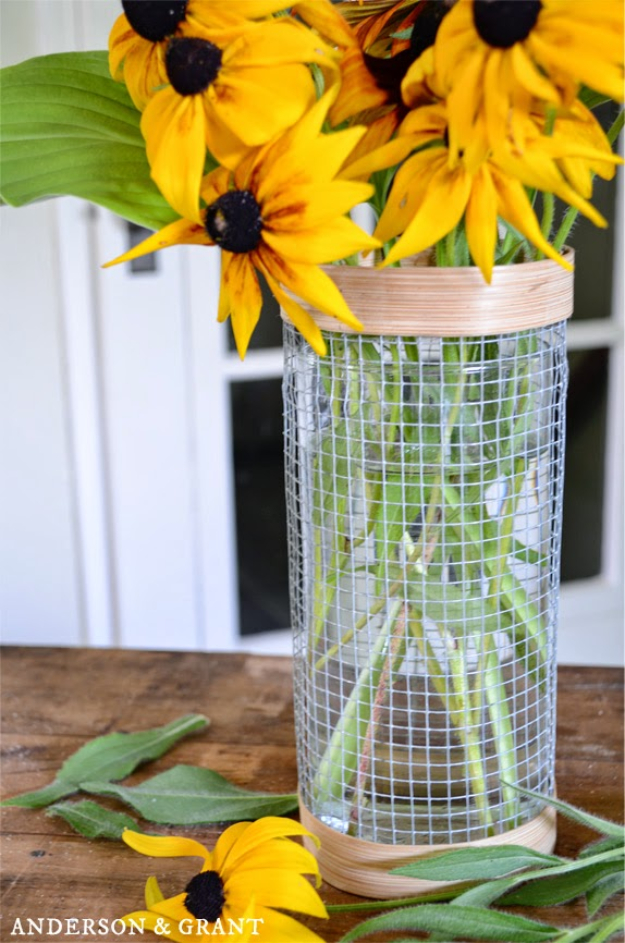 DIY Farmhouse Style Decor Ideas for the Kitchen - Hardware Cloth Vase - Rustic Farm House Ideas for Furniture, Paint Colors, Farm House Decoration for Home Decor in The Kitchen - Wall Art, Rugs, Countertops, Lights and Kitchen Accessories #farmhouse #diydecor