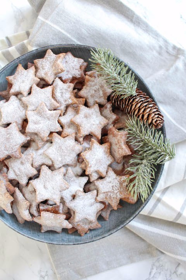 Best Recipes for Christmas Cookies- Healthy Almond And Cinnamon Christmas Stars - Easy Decorated Holiday Cookies - Candy Cookie Recipes Ideas for Kids - Traditional Favorites and Gluten Free and Healthy Versions - Quick No Bake Cookies and Last Minute Desserts for the Holidays